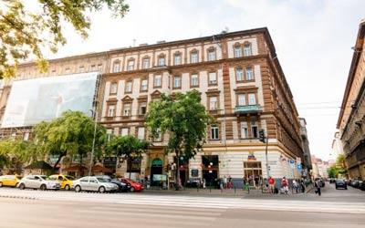 Full Moon Hostel Budapest