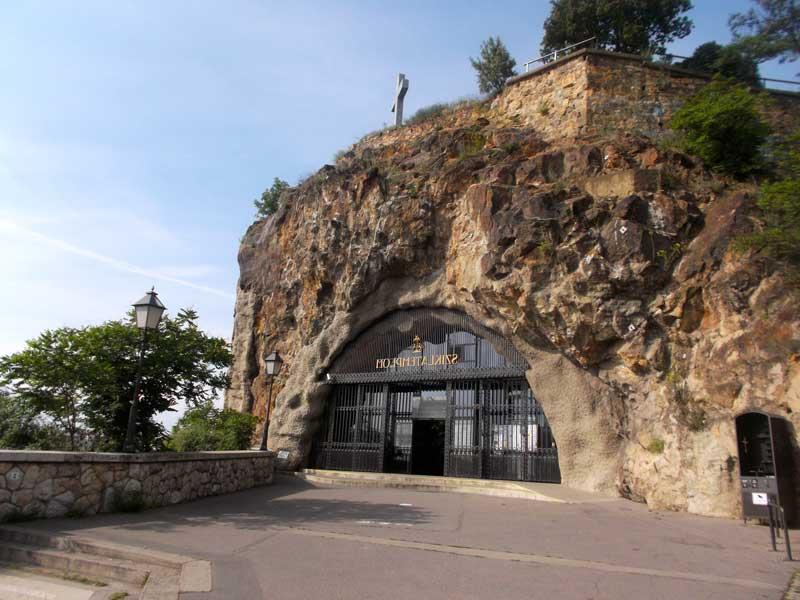 Entrada a la Iglesia Rupestre